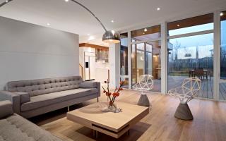 Интерьер квартиры с ламинатом