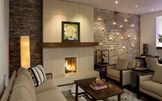 Интерьер гостиной с искусственным камнем