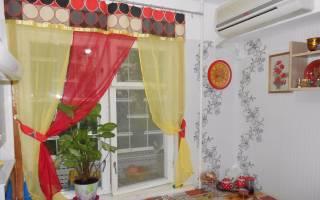 Интерьер окна на кухне