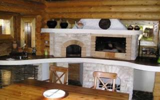 Интерьер гостиной с печкой