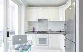 Интерьер кухни светлых тонов фото