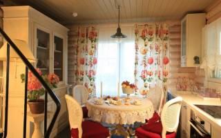 Интерьер гостиной в дачном доме