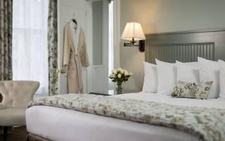 Дизайн спальни с двуспальной кроватью фото