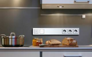 Где ставить розетки на кухне