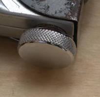 Как вставлять скрепки в строительный степлер
