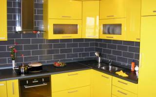 Интерьер кухни с желтым цветом