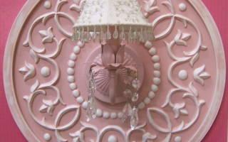 Декор стен розетками