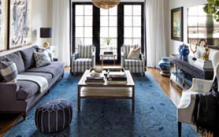 Интерьер гостиной в частном маленьком доме